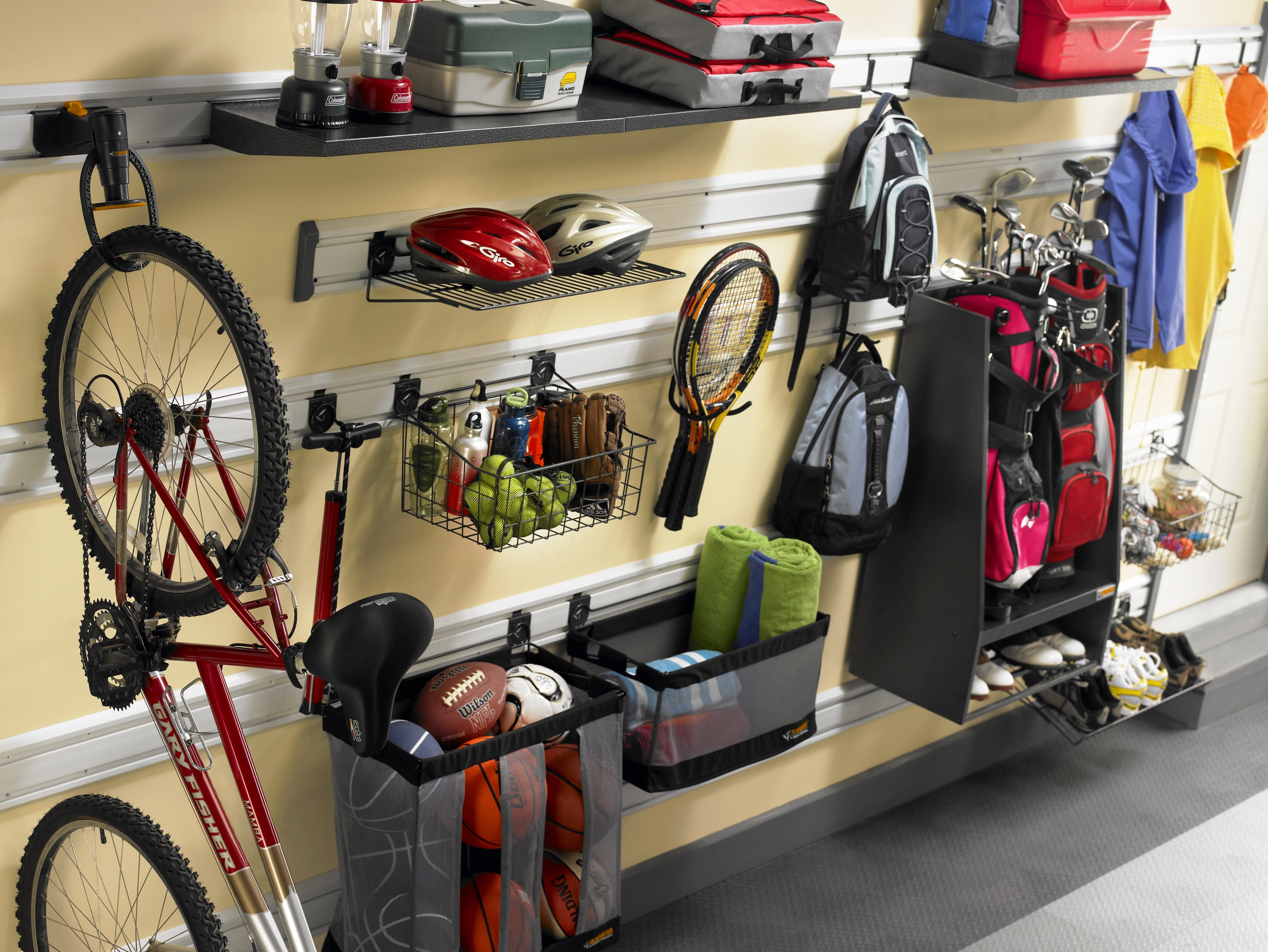 Wall organization system accessories your garage organizer for Arredo system